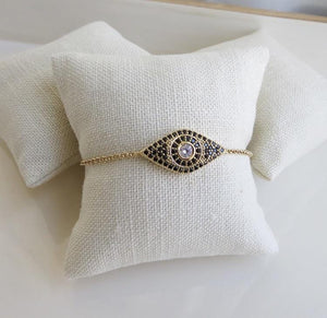 Diamond Eyes Bracelet