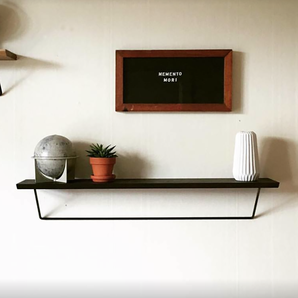 Classic shelf in black