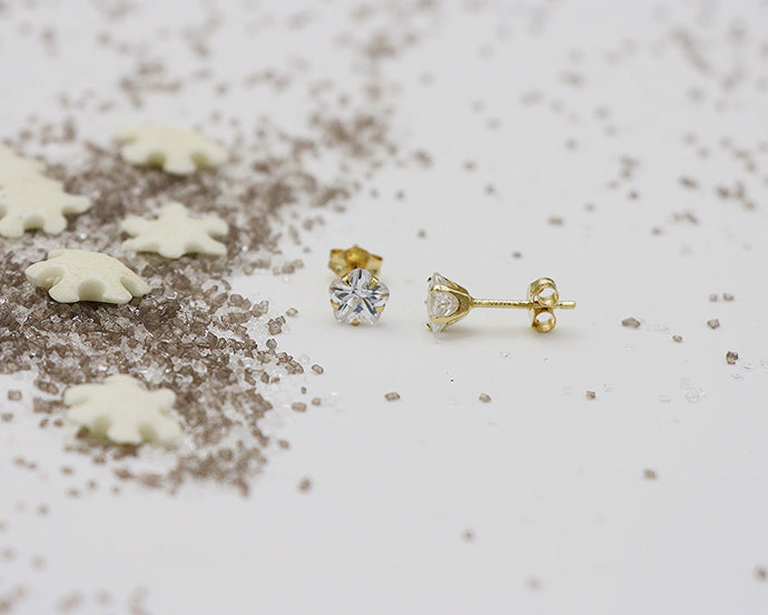 18kt 5.0mm Cubic Zirconia Star Stud Earrings- Yellow Gold