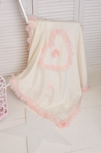 Load image into Gallery viewer, Tulle Heart Knit Blanket