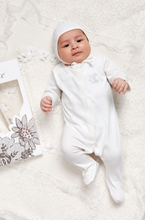 Load image into Gallery viewer, Organic 7-Piece Newborn Set