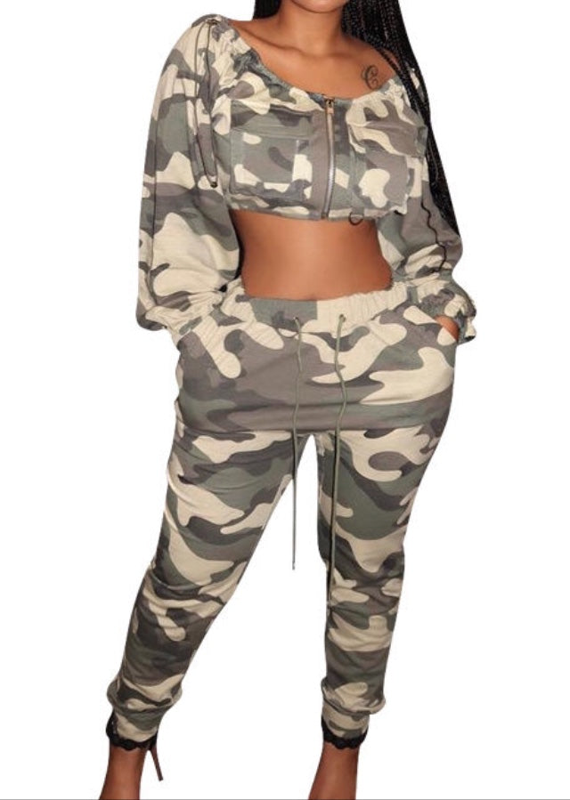 camoflauge print long sleeve drawstring crop top and jogger pants