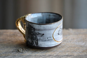 Alice and the Queen White mug 22k gold 12 oz