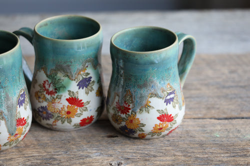 Daisies and green microcrystalline drippy mug 12-14 oz / 16 oz
