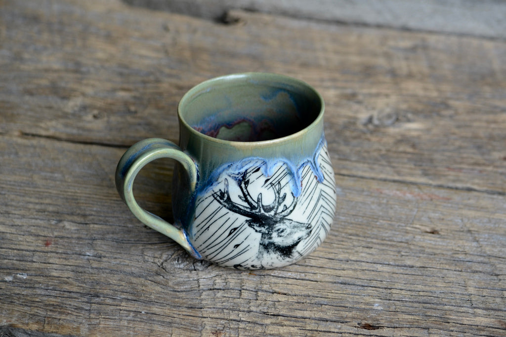Elk tapestry green drippy mug 12-14 onces