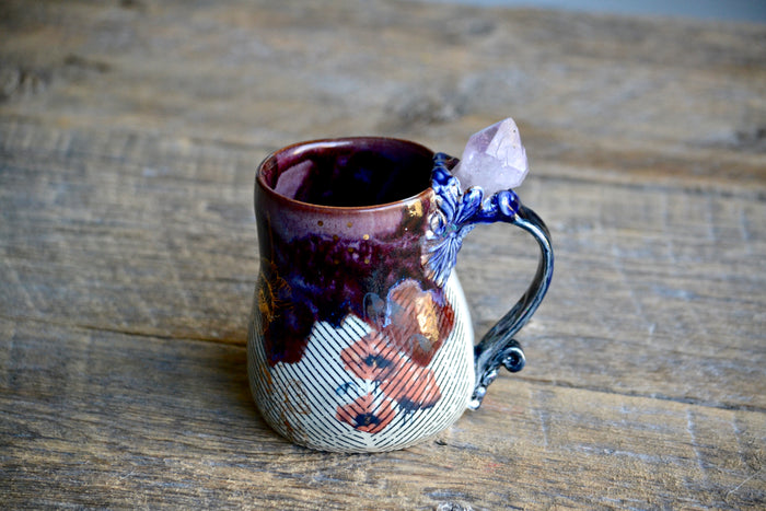 Poppy purple crystal mug with amethyst point and gold 16 Oz