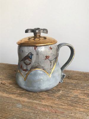 Cloud mug with Birds & Spigot handle LID -16 onces