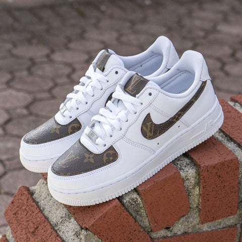 Custom Air Force 1 Low 'LV Monogram'