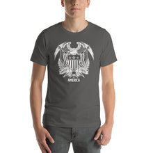 Asphalt / S United States Of America Eagle Illustration Reverse Short-Sleeve Unisex T-Shirt by Design Express