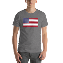 "Deep Heather / S United States Flag ""Solo"" Short-Sleeve Unisex T-Shirt by Design Express"