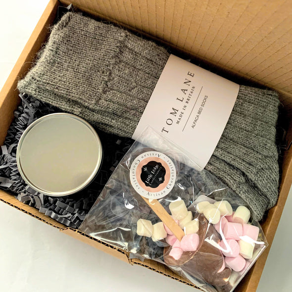 THE COSY NIGHT IN BOX-[best_gifts_for_her]-[thoughtful_gifts_for_her]-[gift_ideas_for_women]-Seventeen Minutes