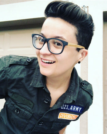 Queer-LGBTQ-Fashion-Blogger-Layne-Pocket-Tomboy-style-Interview-army-green-button-up-shirt