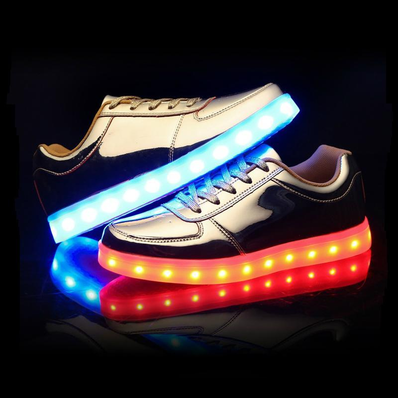 GLOW Hard Old School Low-Top LED Sneakers