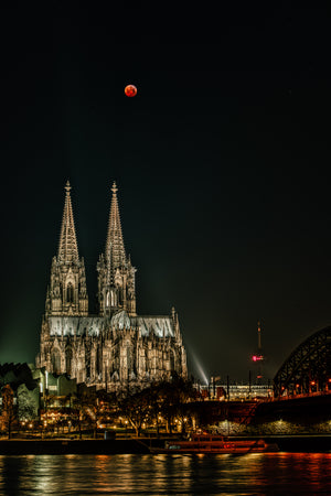 Michael Stahlschmidt • BLOODMOON OVER COLOGNE IV • 2019