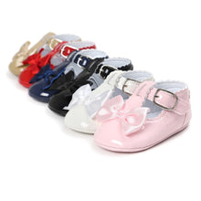 Load image into Gallery viewer, Baby Girl Bow Pram Shoes