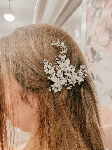 hair pins in hair on prom night
