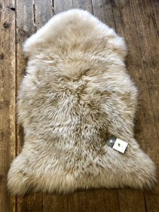 Long Wool Single Stitched Medium Oyster Sheepskin Rug animal skins rugs home furniture shop