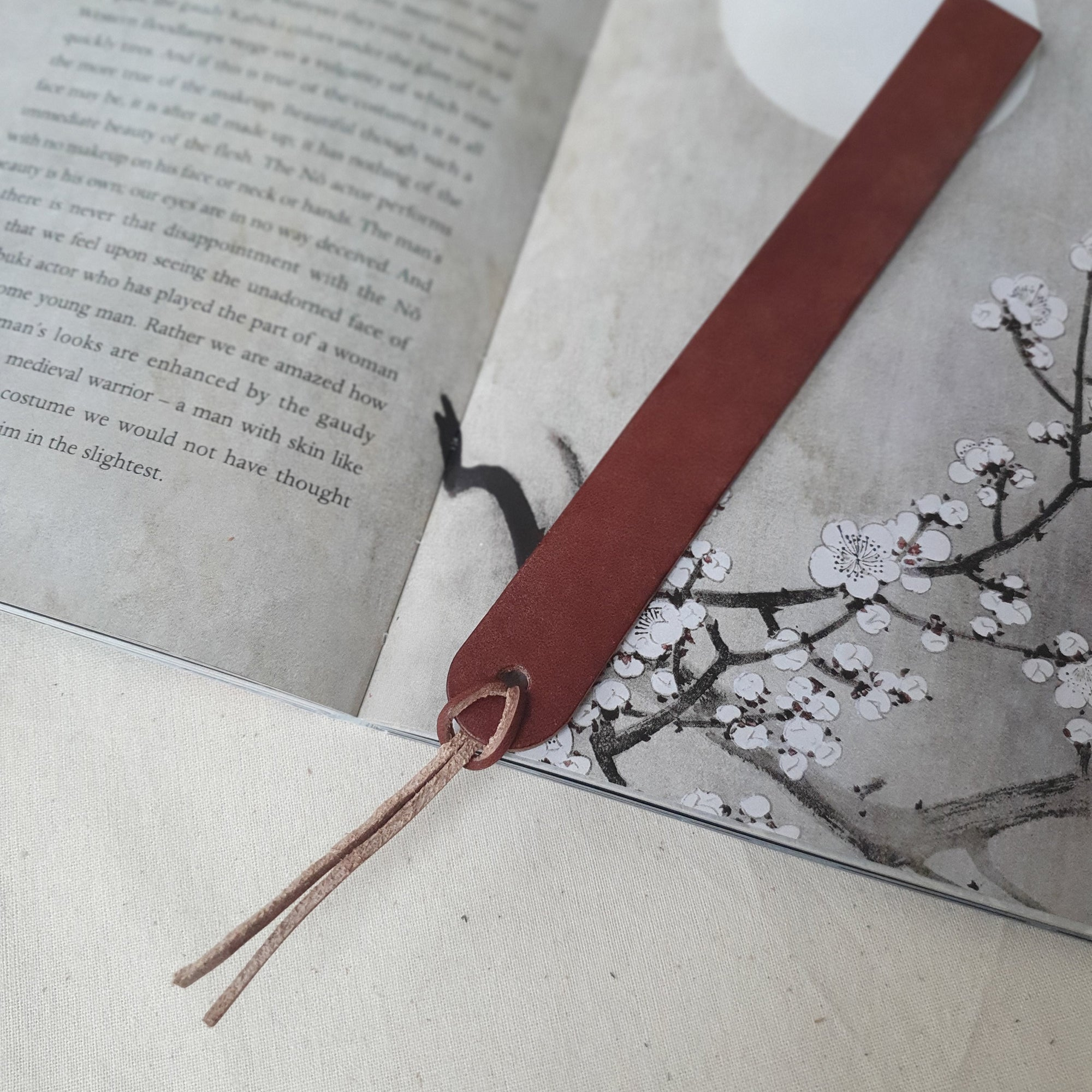 Bookmark in Chestnut (Oak Tanned Leather)