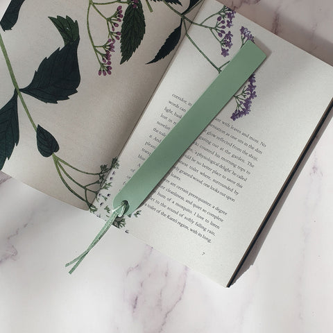 Bookmark in Mint