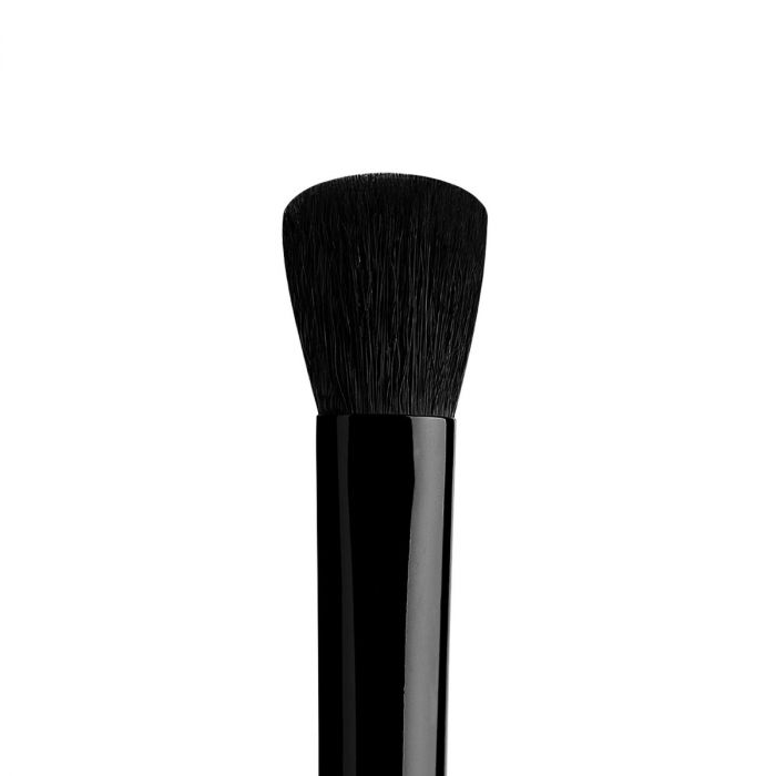 Kat Von D Glimmer Effect Eye Brush | HODIVA LUX