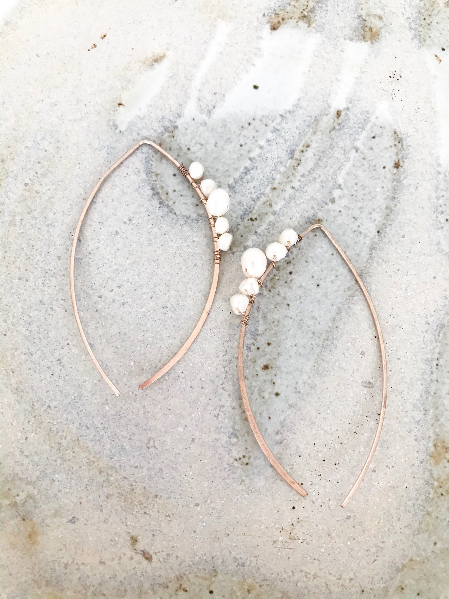 Pearl detail rose gold pull through earring