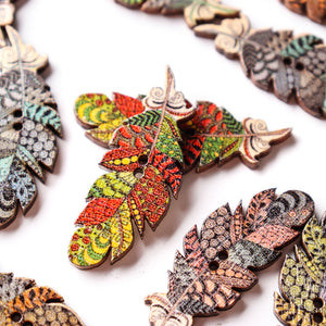 50 Pcs Feather Shape Natural Wood Sewing Buttons Fastness DIY Wooden Buttons Handcraft Material