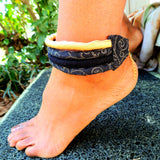 black and gold anklet