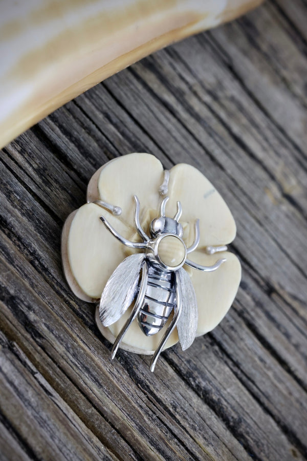 Bee & Flower Pendant/Brooch