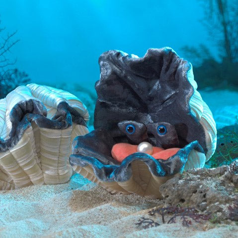 Giant Clam Puppet