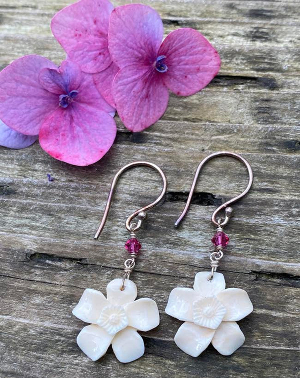 Mammoth Ivory Forget-Me-Not 10mm Drop Earrings
