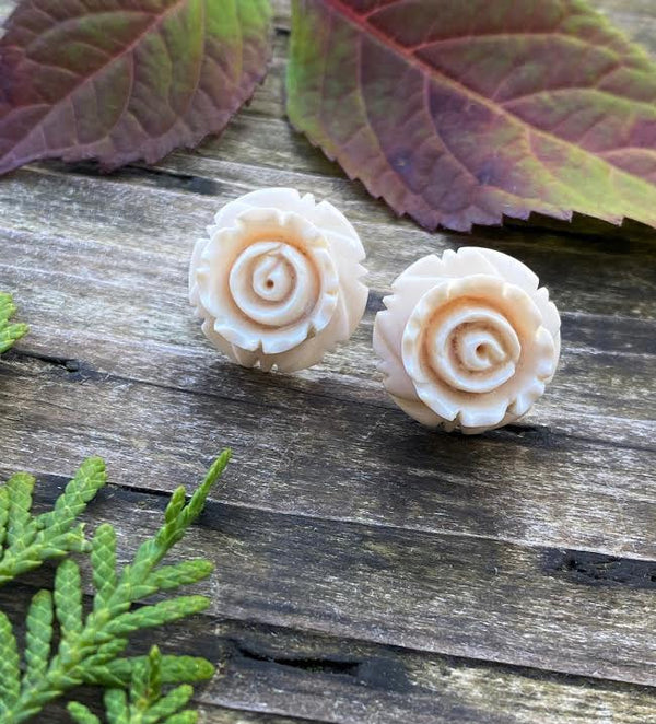 Mammoth Ivory Round Rose Earrings