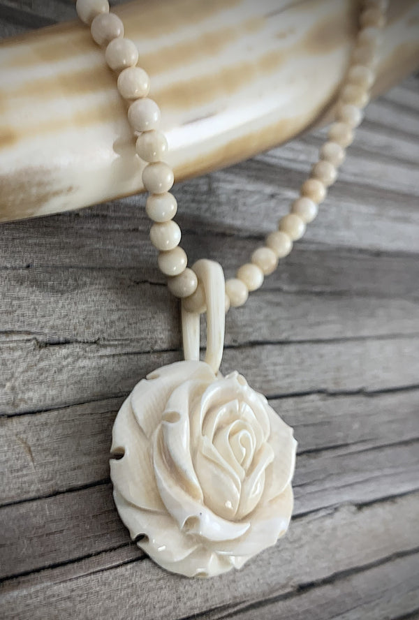 28mm Round Rose Ivory Necklace