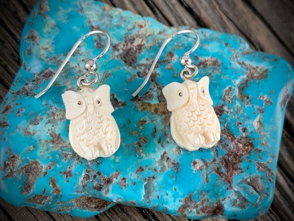 Ivory Owl Earrings - 15mm