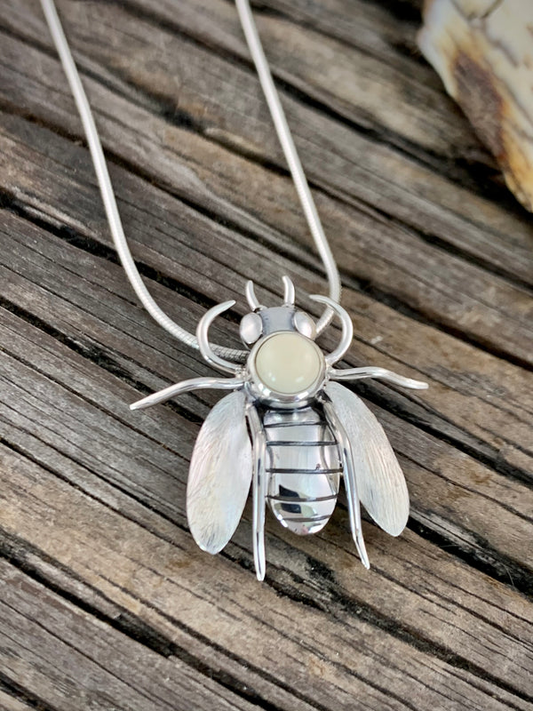 Bee Pin / Pendant