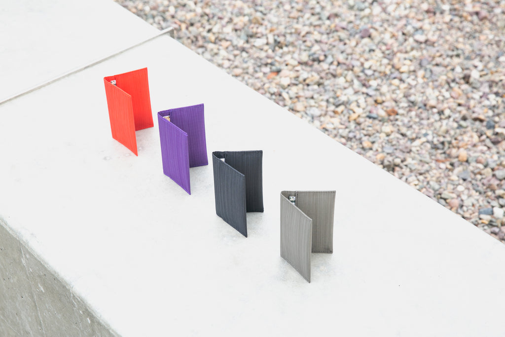 slim-wallet-card-holder-Allett