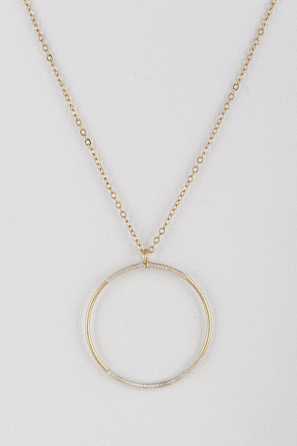 Simple Round Pendant Necklace