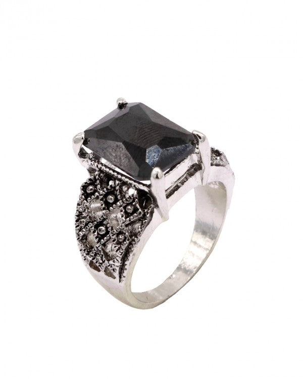 Black stone antique style men's ring