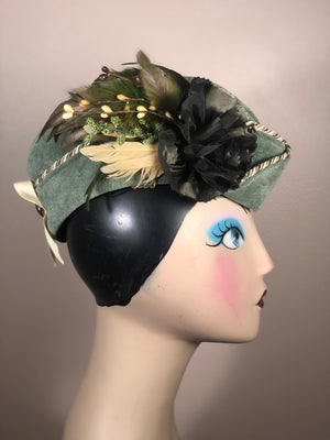 Side view of moss green Highlander Scots Hat