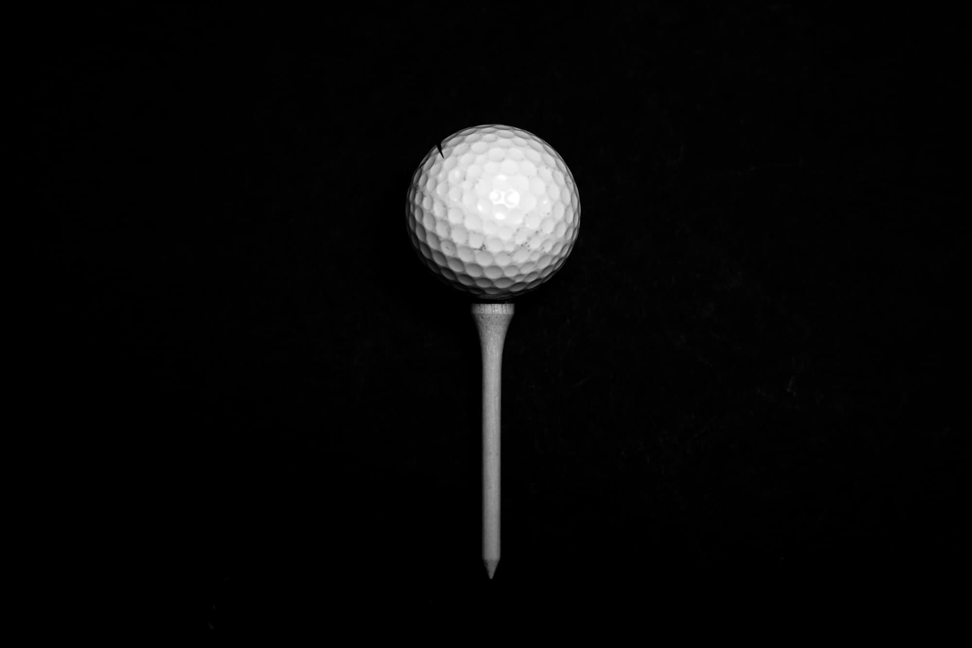Golf ball on Fescue Golf Bamboo Golf Tee