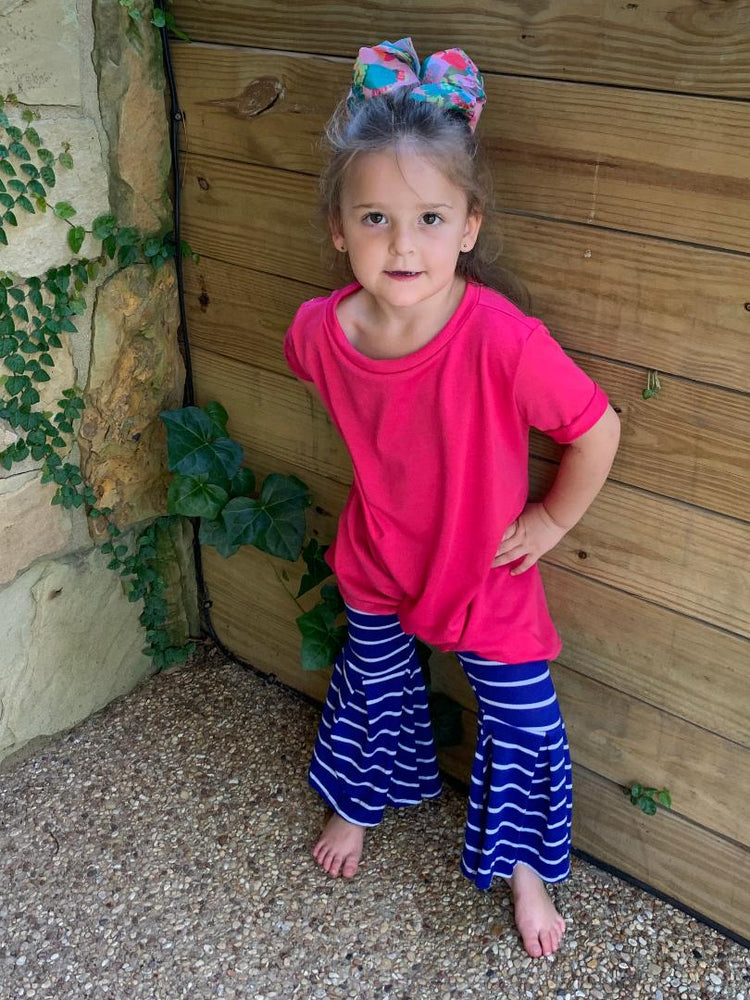Fuchsia center twisted knot Top