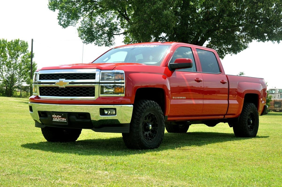 07-18 Chevy Silverado/GMC Sierra 1500  2.5 inch Rough Country Lift Kit - Elite Auto Customs