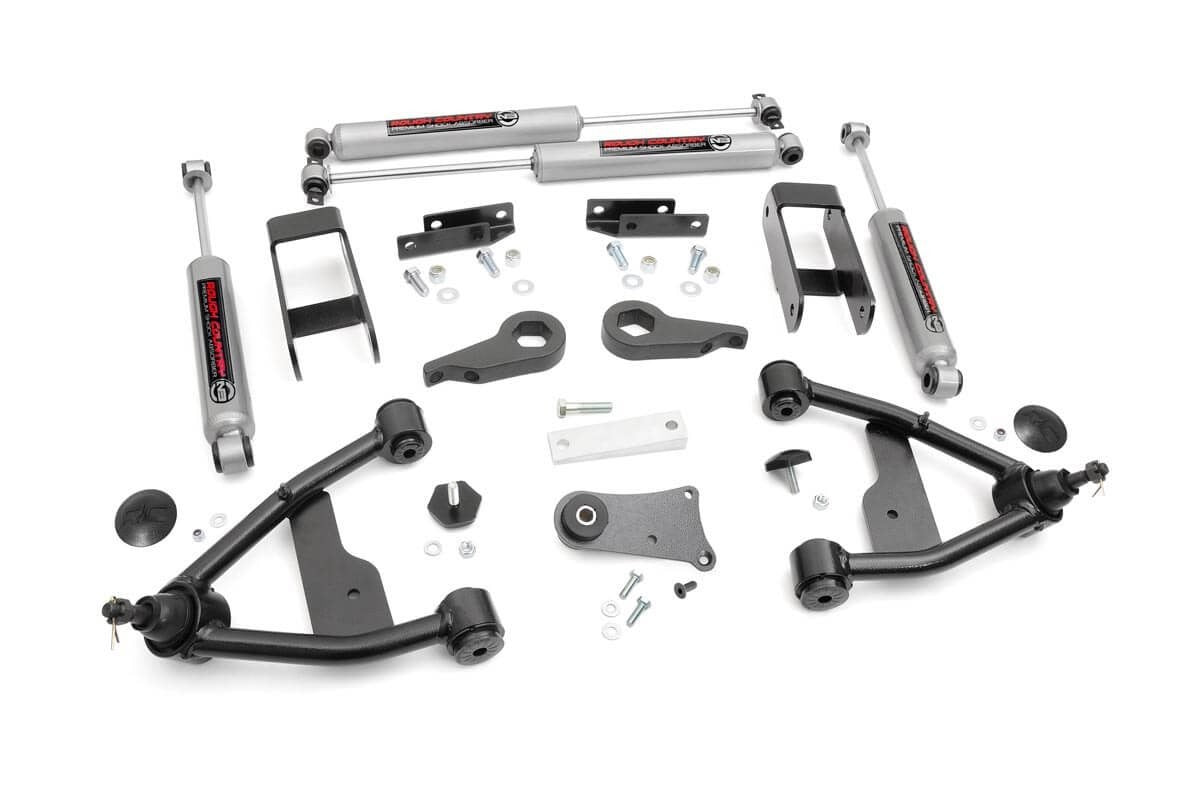 83-05 Chevy Silverado/GMC Sierra S10  2.5 inch Rough Country Lift Kit - Elite Auto Customs