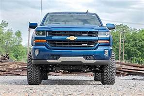 7IN GM SUSPENSION LIFT KIT | LIFTED STRUTS | 2.2 SHOCKS (14-18 1500 PU 4WD | CAST STEEL) - Elite Auto Customs