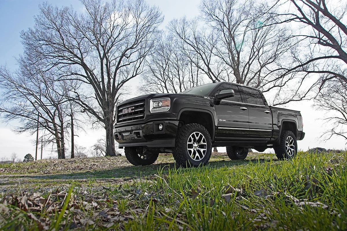77-87 Chevy Silverado/GMC Sierra  3/4-Ton  6 inch Rough Country Lift Kit - Elite Auto Customs