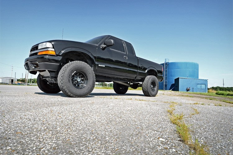 94-03 Chevy Silverado/GMC Sierra  S10 6 inch Rough Country Lift Kit - Elite Auto Customs