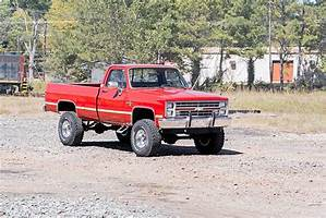 73-76 Chevy Silverado/GMC Sierra 3/4-Ton 4 inch Rough Country Lift Kit - Elite Auto Customs