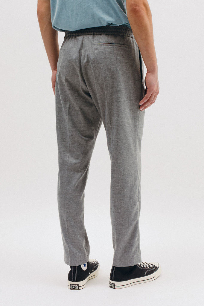ELASTIC PLEATED TROUSER - GREY