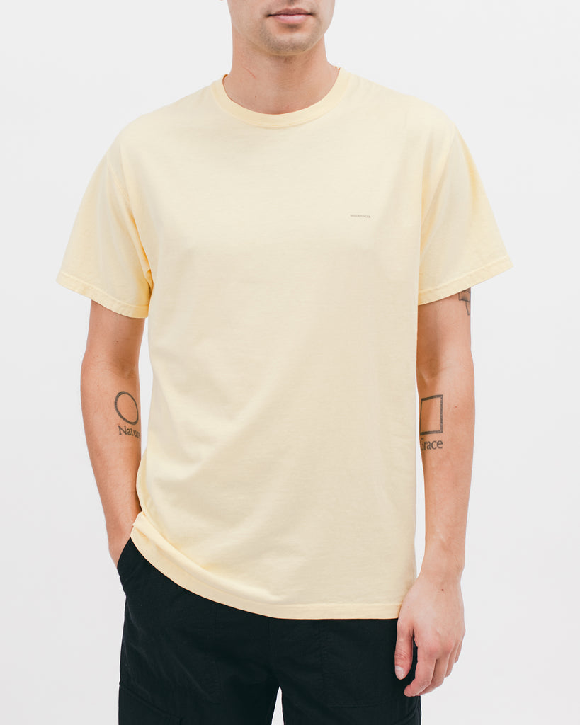 MUSE S/S TEE - SANDSTONE