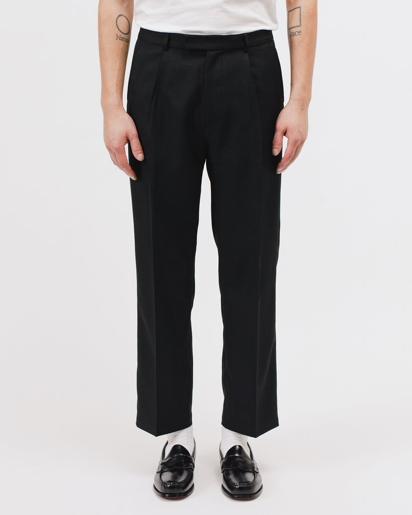 PLEATED SUIT TROUSER - BLACK