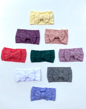 Load image into Gallery viewer, Melissa | Cableknit Bow Headband